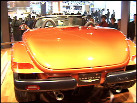 stockvideo's en b-roll-footage met ws chrysler prowler revolving on turntable 2001 chrysler prowler at cobo hall on january 14 2001 in detroit michigan - chrysler