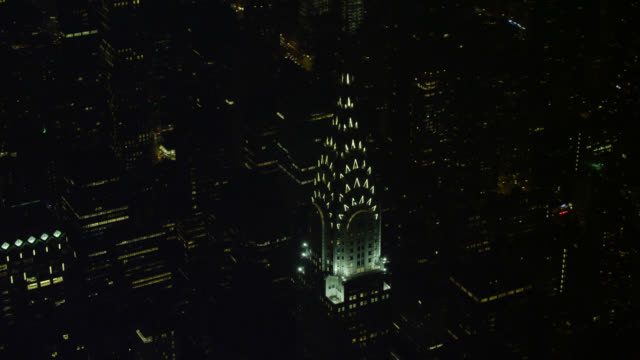 """ws aerial zi chtysler building in city / new york city, united states"" - chrysler building stock videos and b-roll footage"