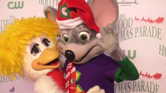 Chuck E Cheese Christmas.Chuck E Cheese Helen Henny At The 85th Annual Hollywood