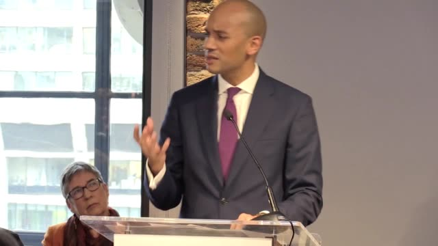 chuka umunna outlines why he has resigned from the labour party at a press conference in london he says politics is broken and that it is time to fix... - 労働党点の映像素材/bロール