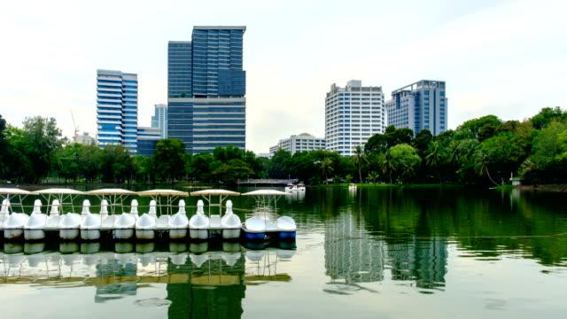 vídeos de stock, filmes e b-roll de hospital chulalongkorn em bangkok na tailândia, lapso de tempo - facade