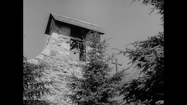 a church bell rings in 17th century france - stilrichtung des 17. jahrhunderts stock-videos und b-roll-filmmaterial