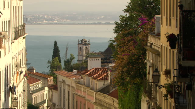 vídeos de stock e filmes b-roll de ms church in downtown lisbon with tagus river / lisbon, portugal   - portugal