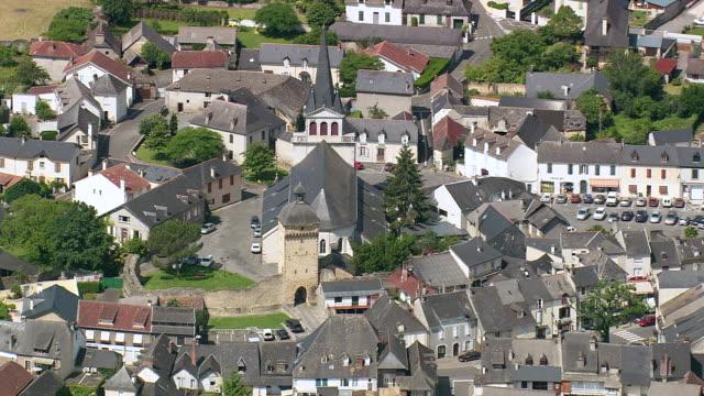 vidéos et rushes de ms aerial church in pontacq village / aquitaine, france - aquitaine
