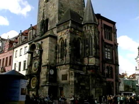 church in prague, czech republic - 尖塔点の映像素材/bロール