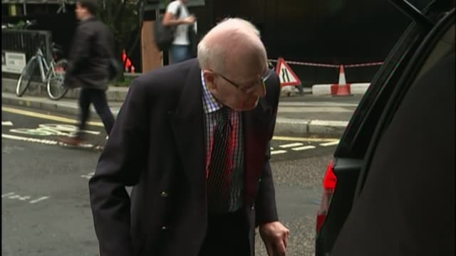 church of england 'colluded' to hide bishop's sexual abuse for years report finds r07101503 / london old bailey photography** peter ball along by car - anglikanismus stock-videos und b-roll-filmmaterial