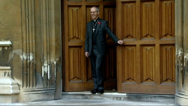 church of england to allow homosexual male priests to become bishops if they are in celibate relationship 9112012 london lambeth palace ext the right... - ジャスティン・ウェルビー点の映像素材/bロール