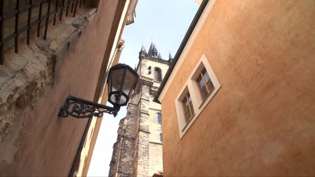 church of our lady before tyn in prague - church tower - tyn church stock videos & royalty-free footage