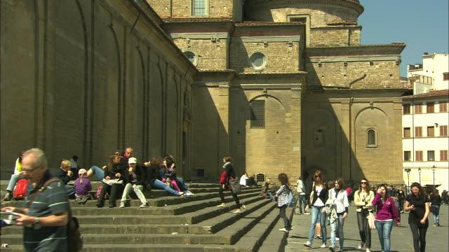 church of san lorenzo, florence, italy - 教会点の映像素材/bロール