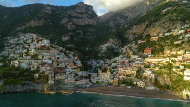 church of santa maria assunta, positano, amalfi coast, italy - mar mediterraneo video stock e b–roll