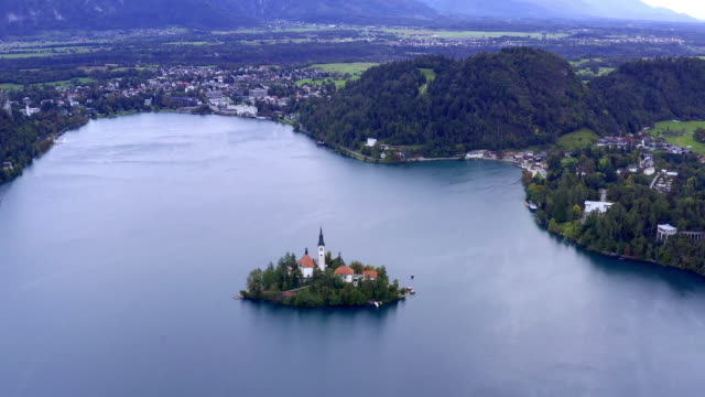 church on bled lake - lago di bled video stock e b–roll