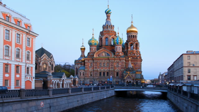 t/l church on spilled blood day to night transition 1 - st. petersburg russia stock videos & royalty-free footage