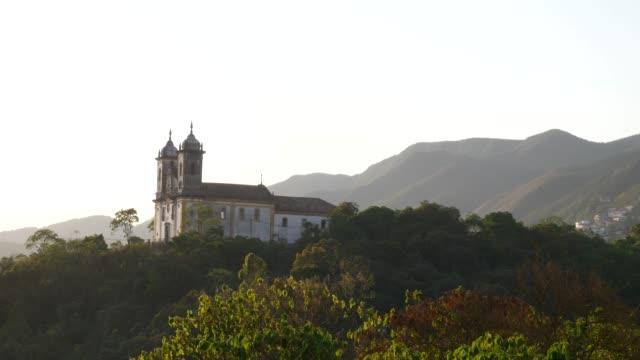 vídeos de stock, filmes e b-roll de church san francisco de paula in ouro preto, minas gerais, brazil - catedral