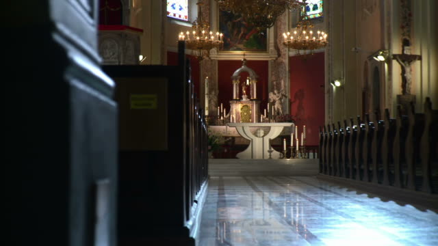 HD DOLLY: Church Sanctuary
