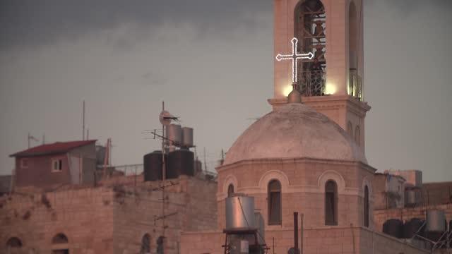 church tower - 宗教上のシンボル点の映像素材/bロール