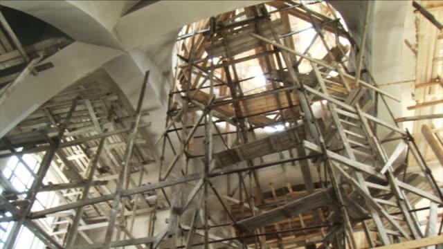 vidéos et rushes de église de construction en haute définition - église
