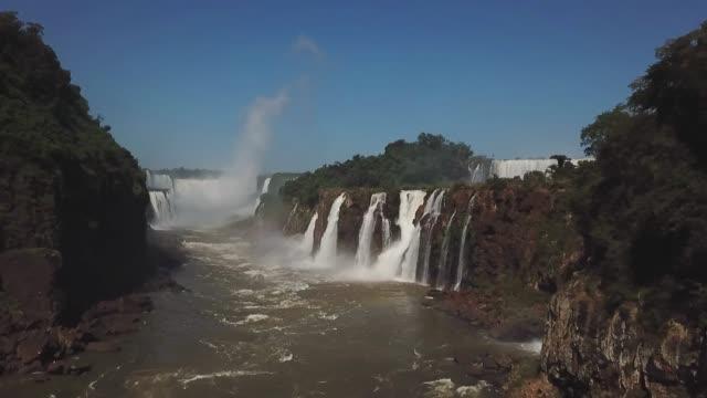 vídeos y material grabado en eventos de stock de chutes d'iguazú, argentine - cataratas del iguazú