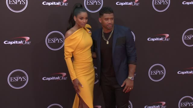 vídeos de stock, filmes e b-roll de ciara and russell wilson at the the 2018 espys at microsoft theater on july 18 2018 in los angeles california - espy awards