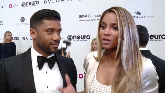 vídeos y material grabado en eventos de stock de ciara and russell wilson on the event and the efaf at elton john aids foundation presents the 25th annual academy awards viewing party on february... - fiesta de los óscar