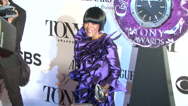 cicely tyson at the 67th annual tony awards - arrivals at radio city music hall on june 09, 2013 in new york, new york - トニー賞点の映像素材/bロール