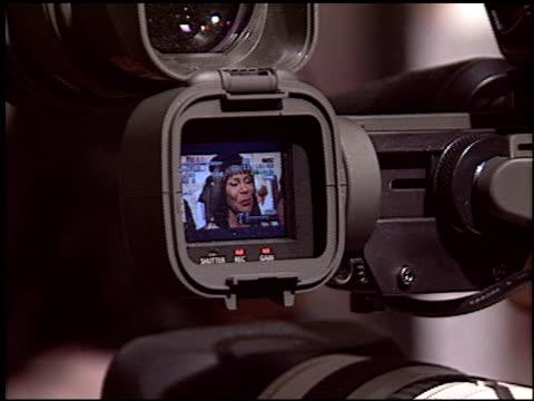 vídeos y material grabado en eventos de stock de cicely tyson at the 'diary of a mad black woman' at the cinerama dome at arclight cinemas in hollywood, california on february 21, 2005. - arclight cinemas hollywood