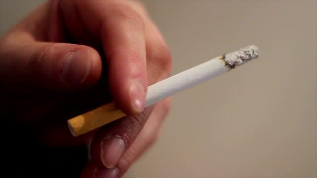 シガレット  - 禁煙マーク点の映像素材/bロール