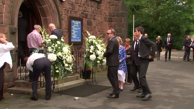 cilla black funeral arrivals / jimmy tarbuck interview england merseyside liverpool woolton st mary's church ext people arriving for cilla black's... - jimmy tarbuck stock videos & royalty-free footage
