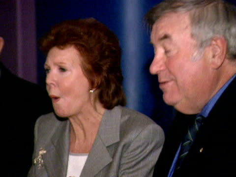 cilla black jimmy tarbuck and john birt tuck into traditional chip butties and a bowl of scouse to celebrate scouse day 2000 - jimmy tarbuck stock videos & royalty-free footage