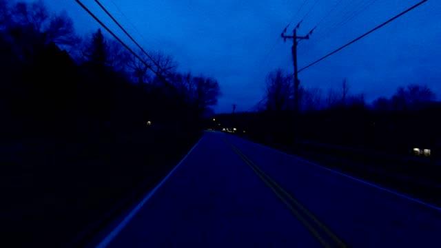 シンシナティ ii 同期プロセス プレート夜運転シリーズ背面図 - part of a series点の映像素材/bロール
