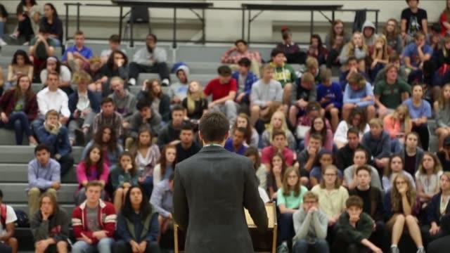 Cinco adolescentes de Kansas en Estados Unidos se postulan como candidatos para gobernadores con la intencion de cambiar los modelos establecidos