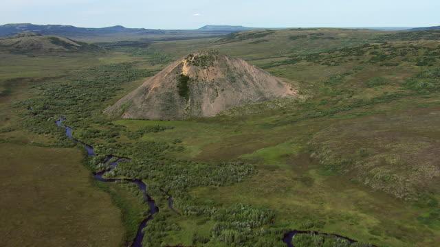 vídeos y material grabado en eventos de stock de cinder cone in southwest alaska - lozano