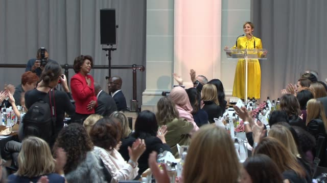 SPEECH Cindi Leive gives shoutout to Congresswoman Maxine Waters at Glamour's Women Of The Year LIVE Summit at Brooklyn Museum on November 13 2017 in...