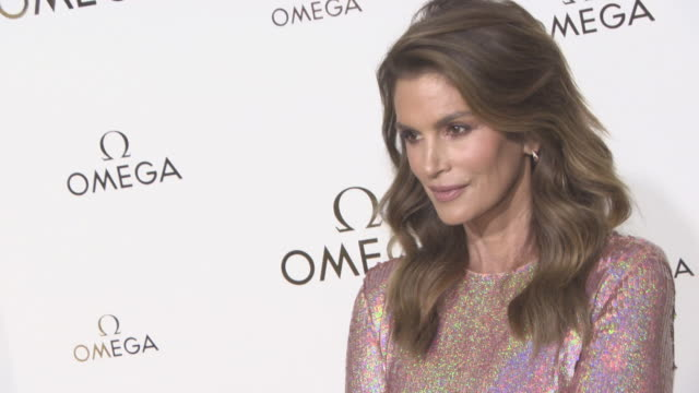cindy crawford at 'her time' omega photocall as part of the paris fashion week womenswear spring/summer 2018 on september 29, 2017 in paris, france. - cindy crawford stock videos & royalty-free footage