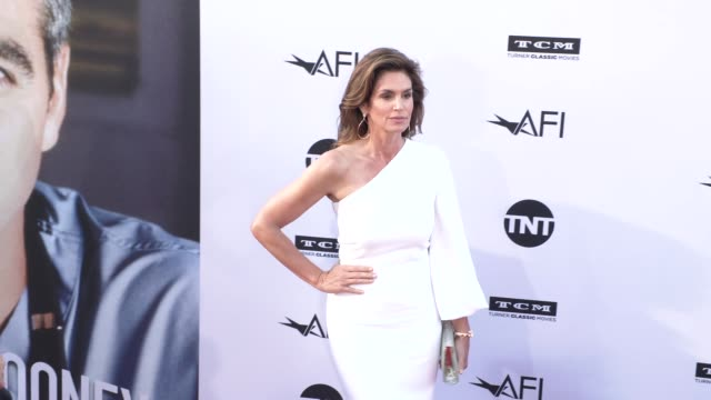 cindy crawford at the american film institute honors george clooney with 46th afi life achievement award at dolby theatre on june 07, 2018 in... - cindy crawford stock videos & royalty-free footage