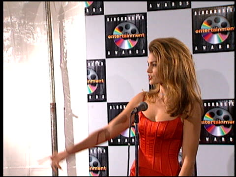 cindy crawford at the blockbuster entertainment awards at pantages theater in hollywood, california on june 3, 1995. - cindy crawford stock videos & royalty-free footage
