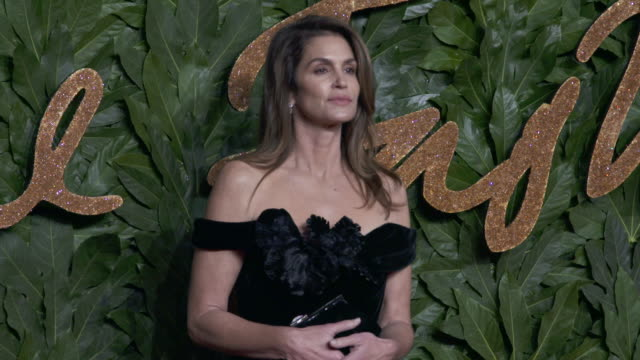 cindy crawford at the fashion awards 2018 in partnership with swarovski - red carpet at royal albert hall on december 10, 2018 in london, england. - cindy crawford stock videos & royalty-free footage
