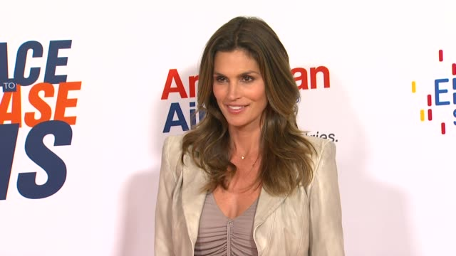 cindy crawford at the the 18th annual race to erase co-chaired by nancy davis and tommy hilfiger at los angeles ca. - cindy crawford stock videos & royalty-free footage