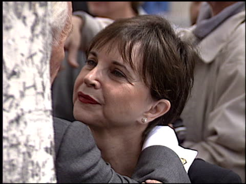 cindy williams at the bob hope honored with hollywood walk of fame plaque at hollywood boulevard in hollywood, california on april 15, 2003. - ボブ ホープ点の映像素材/bロール