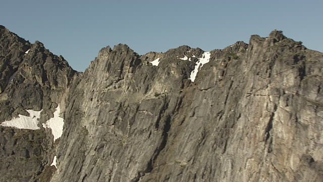 CineFlex Mountain Peaks_01