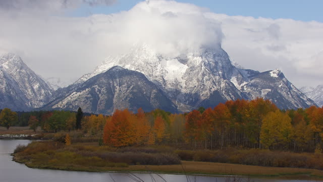 cineflex tetons 13 - mt moran stock videos & royalty-free footage