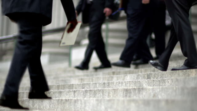 HD - Cinemagraph NYC Court House Stairs with White Collar On the Go