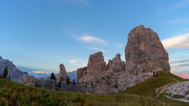 Cinque Torri berühmten Berg Aussichtspunkt in Dolomiten Italien, Zeitraffer