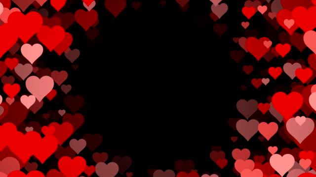 Cerchio di cuori su sfondo nero (ad anello