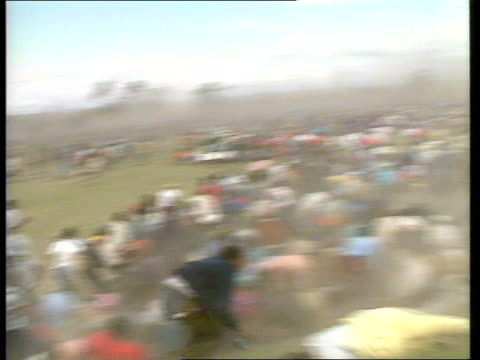 ciskei defence force opens fire on anc marchers; south africa: ciskei: tgv anc demonstrators campaigning for overthrow of head of state brig gen oupa... - vangen stock-videos und b-roll-filmmaterial