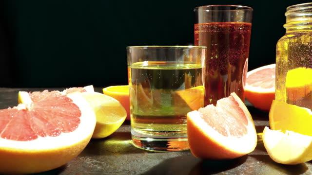 Citrusfrukter och juice