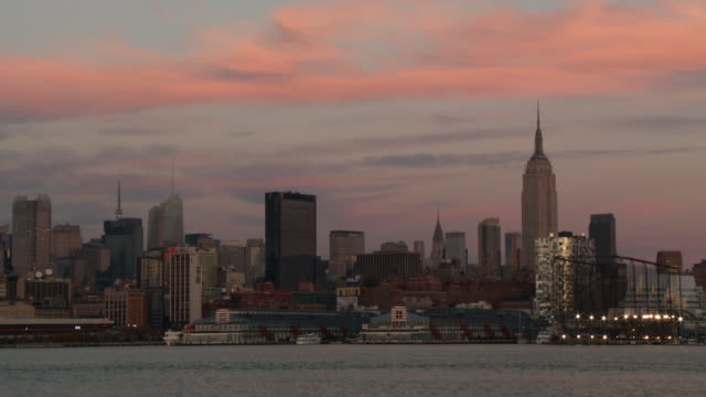 ws city at last twilight on hudson river / new york city, new york, united states - 2010 stock videos & royalty-free footage