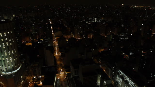 WS HA PAN City at night, buildings and streets / Sao Paulo, Brazil
