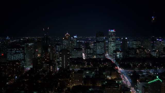 ws city at night / sydney, unspecified, australia - inquadratura fissa video stock e b–roll