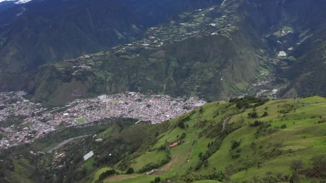 city behind the mountain - agua stock-videos und b-roll-filmmaterial
