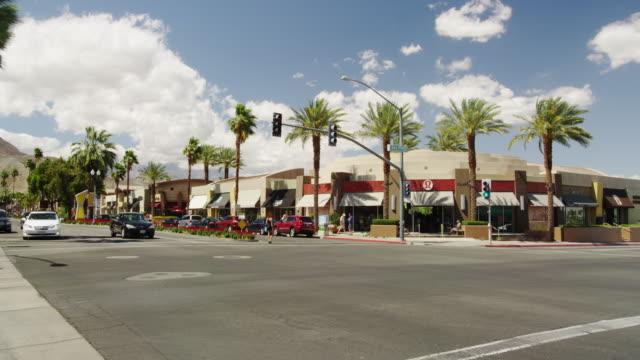 vídeos de stock e filmes b-roll de city center of palm dessert - shopping centre
